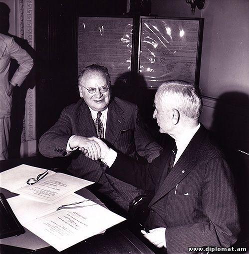 http://www.diplomat.am/all-10/Litvinov-Roosvelt.jpg