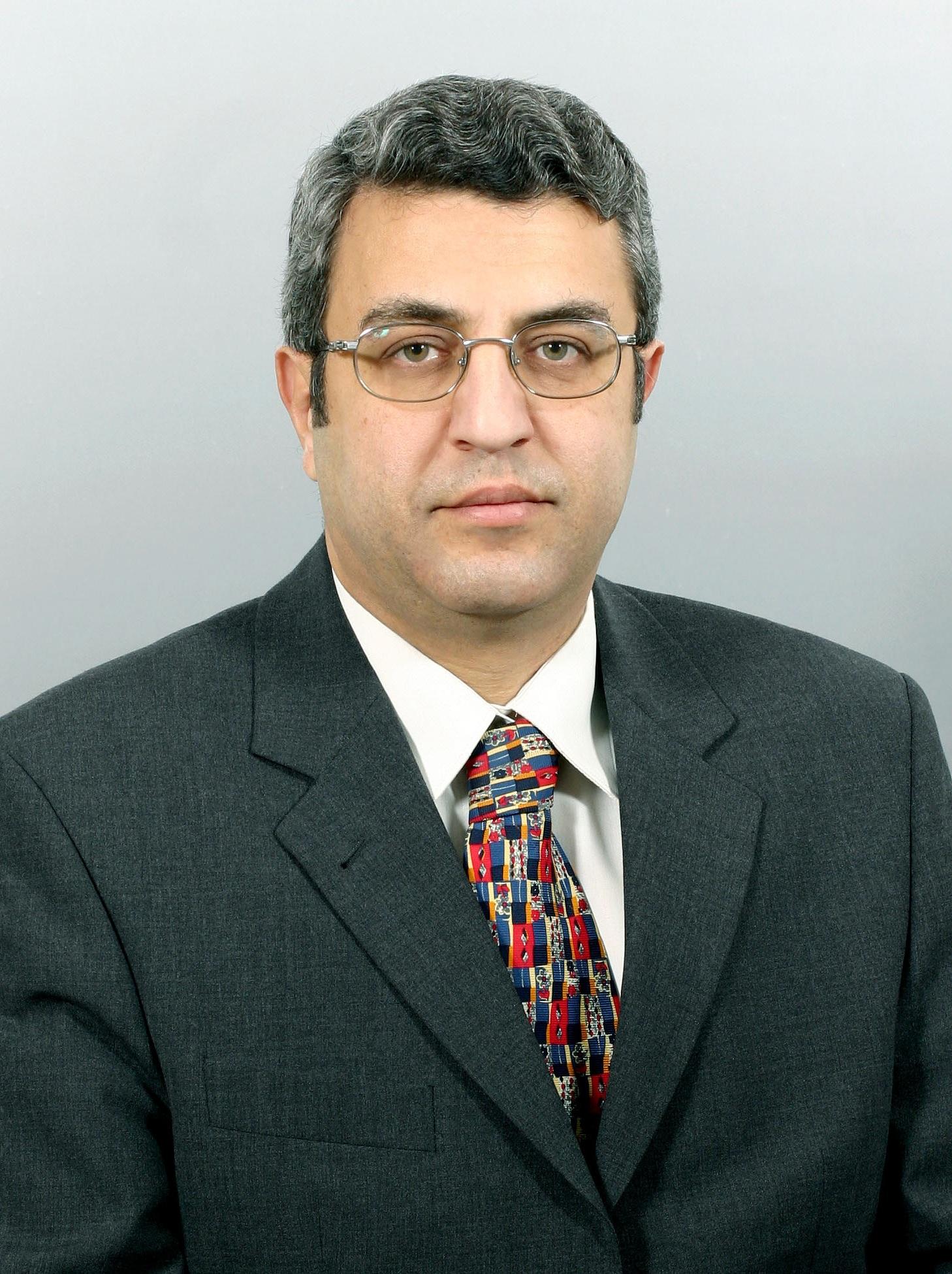 http://www.diplomat.am/author-pics/Vahan_Ter-Ghevondian2.jpg